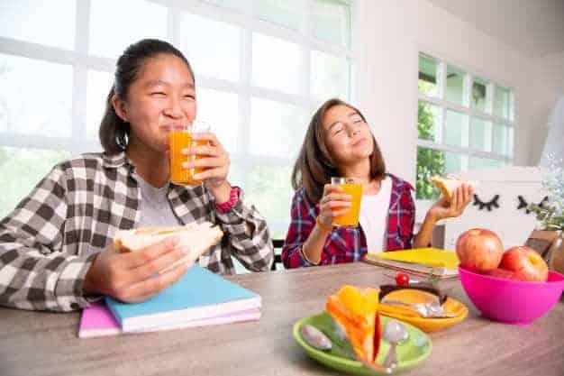 Nớc ép trái cây học đường